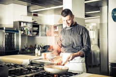 Chef-kok Cooking royalty-vrije stock afbeelding