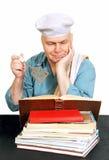Chef-kok met receptenboek. Royalty-vrije Stock Foto's