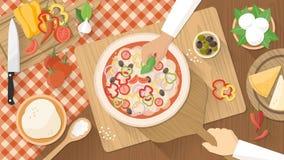 Chef-koks die pizza koken Stock Afbeeldingen