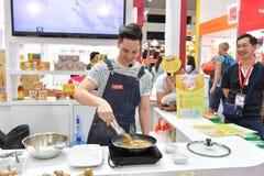 Chef-koks in THAIFEX - Wereld van voedsel AZIË 2017 Royalty-vrije Stock Foto