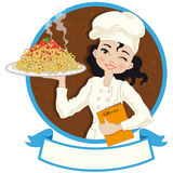 Chef-kokvrouw met spaghetti Royalty-vrije Stock Fotografie