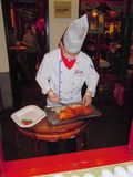Chef Preparing Peking Duck Images libres de droits
