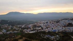 Chefchaouen de blauwe stad in Marokko stock footage