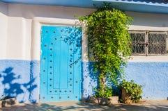 Chefchaouen de blauwe stad in Marokko Stock Foto's