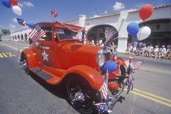 Chefe dos bombeiros antigo do carro na parada do 4 de julho, Ojai, Califórnia Fotografia de Stock