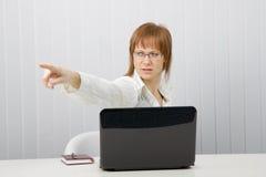 Chefe irritado da mulher nova Imagens de Stock Royalty Free