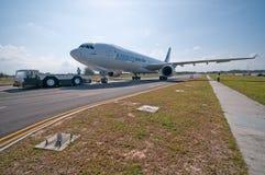 Chegada de Airbus A330-200F em Singapore Airshow Fotos de Stock Royalty Free