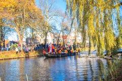 A chegada de St Nicholas Sinterklaas imagem de stock