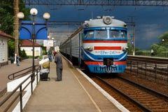 A chegada do trem Foto de Stock