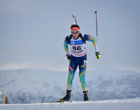 Cheile Gradistei,罗马尼亚- 1月24 :在IBU Youth&Junior世界冠军两项竞赛第24的未知的竞争者 免版税图库摄影