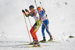 Cheile Gradistei, Roamania - 30 de enero: Competidor desconocido en IBU Youth& Junior World Championships Biathlon 24to Fotos de archivo