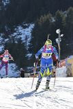 Cheile Gradistei, Roamania - 30. Januar: Unbekannter Konkurrent in IBU Youth& Junior World Championships Biathlon lizenzfreies stockbild