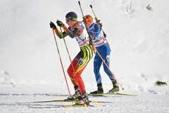 Cheile Gradistei, Roamania - Januari 30: Onbekende concurrent in IBU Youth& Junior World Championships Biathlon vierentwintigste Stock Foto's