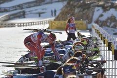 Cheile Gradistei, Romênia - 30 de janeiro: Concorrente desconhecido em IBU Youth& Junior World Championships Biathlon 24o Imagens de Stock