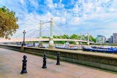 Chelsea-Brücke an einem sonnigen Tag lizenzfreie stockfotografie