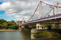 Chelsea Bridgε in London stockfotografie