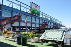Chelsea Piers Sports & underhållningkomplexet i Manhattan Arkivbild