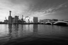 Chelsea Railway Bridge y central eléctrica de Battersea, panorama Foto de archivo