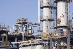 chemical bussgaragefabriksolja royaltyfria foton