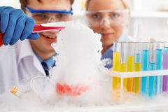 Chemical experiment Royalty Free Stock Photos