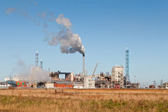 Chemical Factory. A Chemical Factory with Smoke Royalty Free Stock Images