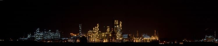 Chemical plant in night(Panoramic View 2) Royalty Free Stock Images
