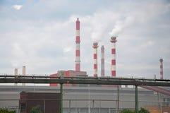 chemical stor lampglasfabrik Arkivbilder