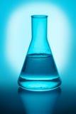 Chemiczna kolba z cieczem Fotografia Stock