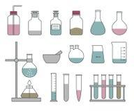 Chemiczne glassware ikony ustawiać na białym tle Obrazy Royalty Free