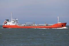 Chemiczny tankowiec MOZART przylatujący Rotterdam obrazy stock