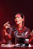 Chemie Aziatische Arts Woman met de Rode omhoog luim van Tone Fashion Make Royalty-vrije Stock Foto's