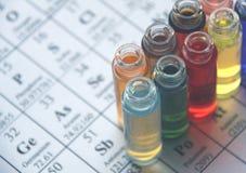 Chemie. Reagenzglasserie. stockbild