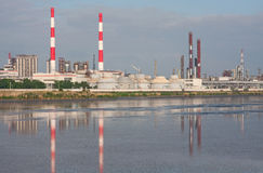 Chemiefabrik stockfotos