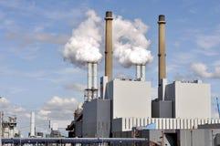 Chemikalie und Erdölraffinerie Stockbild