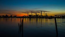 Chemikalien- und Schmierölfabrik stockfoto