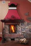 Cheminée chaude et confortable Photo stock