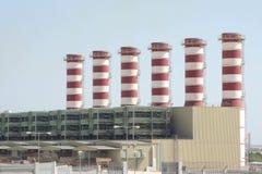 Cheminées au Bahrain avec presque aucun gaz à effet de serre Images stock