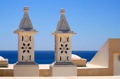Cheminées portugaises de dessus de toit Images stock