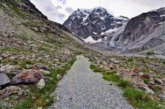 Chemin au glacier d'Arolla Images stock
