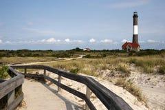 Chemin au phare d'île d'incendie Image libre de droits