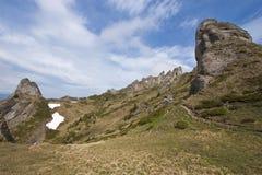 Chemin aux montagnes Photographie stock libre de droits