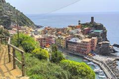 Chemin bleu - Cinque Terre Vernazza photo libre de droits