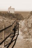 Chemin clôturé par sépia à la plage de Ballybunion Images stock