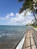 Chemin concret de bord de la mer au parc de plage de Makalei Photos stock