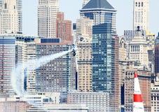 Chemin d'air de Red Bull au port de New York Images libres de droits