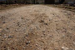 Chemin de champ avec des pierres dans le contre-jour Photo libre de droits