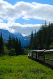 Chemin de fer blanc d'itinéraire de passage Images libres de droits