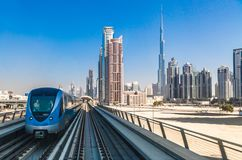 Chemin de fer de métro de Dubaï Photo stock