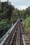 Chemin de fer de station de monorail qui mènent au dessus de la colline de Penang chez George Town Penang, Malaisie Photo libre de droits