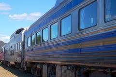 Chemin de fer moderne ferroviaire de Station de transport de chariot du train de voyageurs Images stock